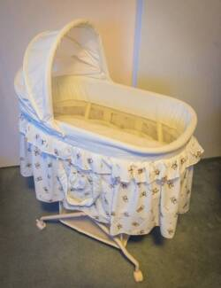Love N Care White Baby Bassinet w/ Lockable Wheels - Like New Drummoyne Canada Bay Area Preview