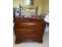 ANTIQUE SOLID MAHOGANY CHEST OF DRAWERS