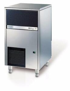 DEMO 102LBS BREMA ICE MACHINE / MACHINE A GLACE DEMO 102LBS