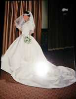 Stunning retro Wedding Dress, petticoat and veil.