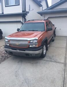 Mint 2005 Chev Z71 Avalanche LOW KMs Strathcona County Edmonton Area image 2