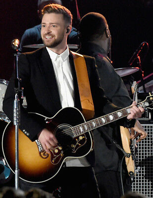 Justin Timberlake UNSIGNED photo - K8044 - American singer-songwriter and actor