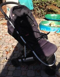 Great fit for small vehicle -- Mamas & Papas Luna Windsor Region Ontario image 5