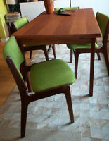 AM  Danish Mid Century Modern Teak Dining Table set of 4 Chairs