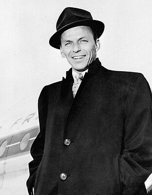 Frank Sinatra 10x 8 UNSIGNED photo - P836 - New York, New York & That's Life