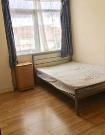 Clapham Lovers - Large Double - Prime Location: 2 min from Station