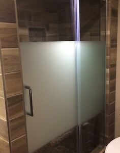 Glass shower doors (with frost etching) -new