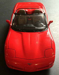 Selling Bburago 1997 Chevrolet Corvette CS Convertible 1:18 West Island Greater Montréal image 1