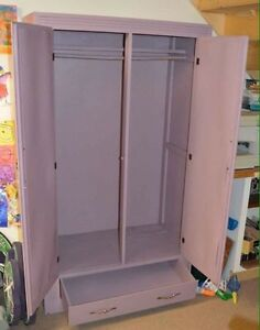 Armoire / closet