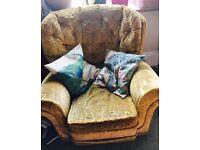Vintage Retro 3 piece suite . Gorgeous golden velvet. Sofa & 2 armchairs . Retro, Shabby chic