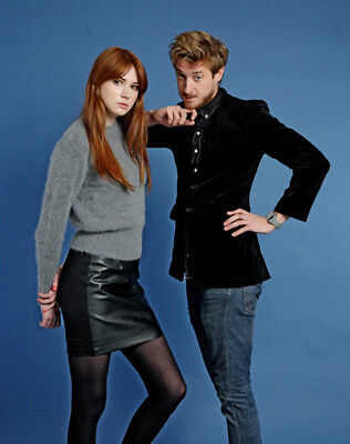 Karen Gillan and Arthur Darvill UNSIGNED photo - L467 - Stars of Doctor Who