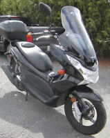 REDUCED TO SELL  2013 Honda PCX 150cc Scooter
