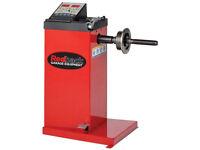 Redback 109 24″ Manual Data Input Hand Spin Wheel Balancer