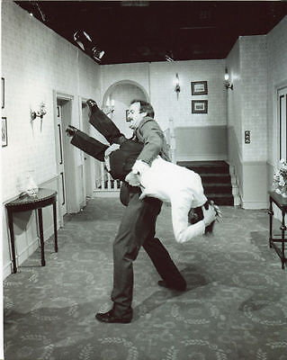 ANDREW SACHS AND JOHN CLEESE UNSIGNED PHOTO - 568 - FAWLTY TOWERS
