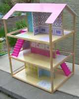 Doll house, large, suitable for barbies. Located near Chinook.