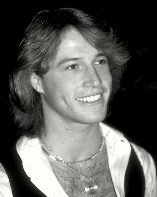 Andy Gibb UNSIGNED photo - K9061 - SEXY!!!!