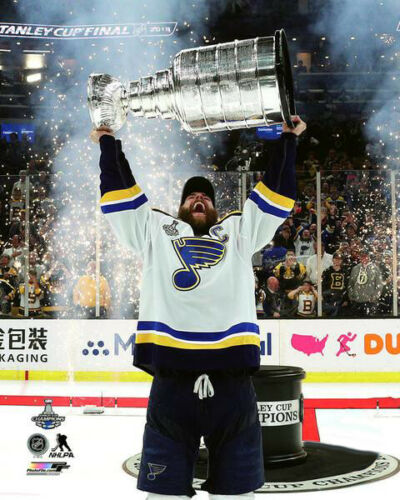 timeless design 2b3f2 3246d Alex Pietrangelo CAPTAIN HOISTS STANLEY CUP St. Louis Blues ...