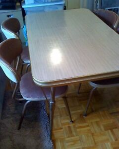 Art Deco Chrome Dining Table And Chairs