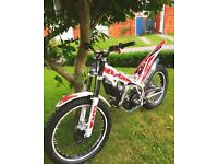🔴 2016 beta Evo 300cc trials bike with extras * must see!! Road registered.