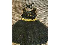 Batgirl costume with cape and mask. 5-6 years