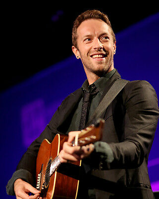 Chris Martin UNSIGNED photo - D496 - Lead vocalist and pianist with Coldplay