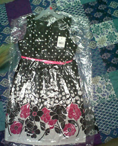 **Brand New w/tags**Girl floral dresses