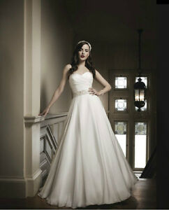 Justin Alexander Wedding Gown with FREE Tiara and Hair Accessory