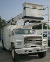 90 Ford F800 Bucket Truck with water tank and heater- LOW kms!!!