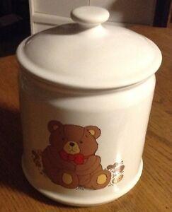 Vintage. Pot à biscuit petit ourson Gatineau Ottawa / Gatineau Area image 1