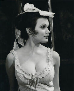 MADELINE SMITH UNSIGNED PHOTO - 4179 - GORGEOUS!!!!!