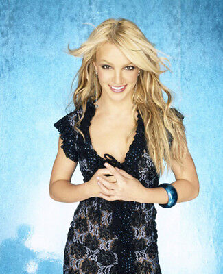 Britney Spears UNSIGNED photo - M4396 - American singer and actress - NEW IMAGE!
