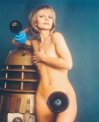Katy Manning UNSIGNED photo - K8700 - NAKED!!!! - Doctor Who