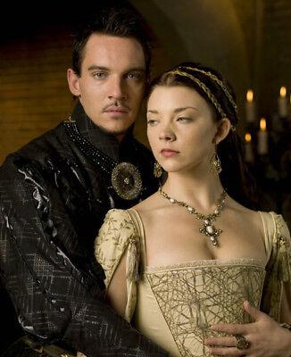 The Tudors UNSIGNED photo - K7813 - Jonathan Rhys Meyers and Natalie Dormer