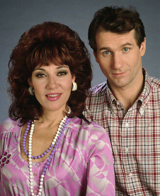 Married...with Children UNSIGNED photo - L4423 - Katey Sagal and Ed O'Neill