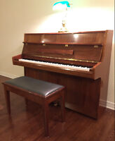 MUST SELL: PIANO SAMICK GERMAN SCALE WOOD + BENCH -MOVING SALE