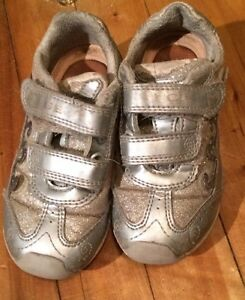 Chaussures enfant Geox 2-3 ans (taille 25)