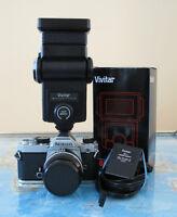 caméra 35mm avec flash et accessoires
