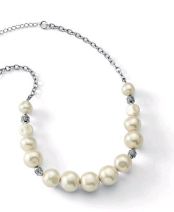 Pearl necklace by Lia Sophia