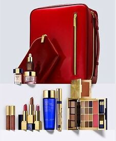 Estée Lauder make up set excellent valentine's gift