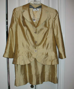 Liz Elana Womens Suit(Top & Skirt) size 12