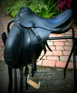 Cambridge Dressage Saddle