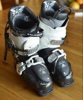 Womens size 7 Salomon Poison Ski Boots-excellent shape