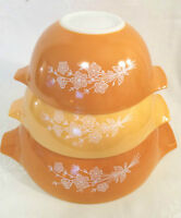 Pyrex Butterfly  Cinderella Nesting Mixing Bowl