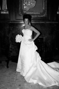 Silver Beaded White Wedding Dress - new price!!! Gatineau Ottawa / Gatineau Area image 2