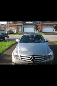2009 Mercedes Benz C300 w/ Navi & set of winter tires on rims!