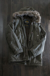 ROOTS Army Green Parka - Size Small