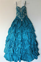 BRIDESMAID/GRAD DRESS ALTERATION.SOUTHWOOD,CALGARY,403-456-0780