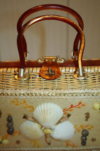 Vintage Atlas Wicker and Seashell Handbag West Island Greater Montréal image 4