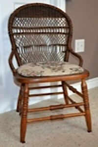 HC020 Antique Vtg Small Wood Wooden Chair $55
