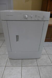Frigidaire Dryer for Parts or Repair West Island Greater Montréal image 1